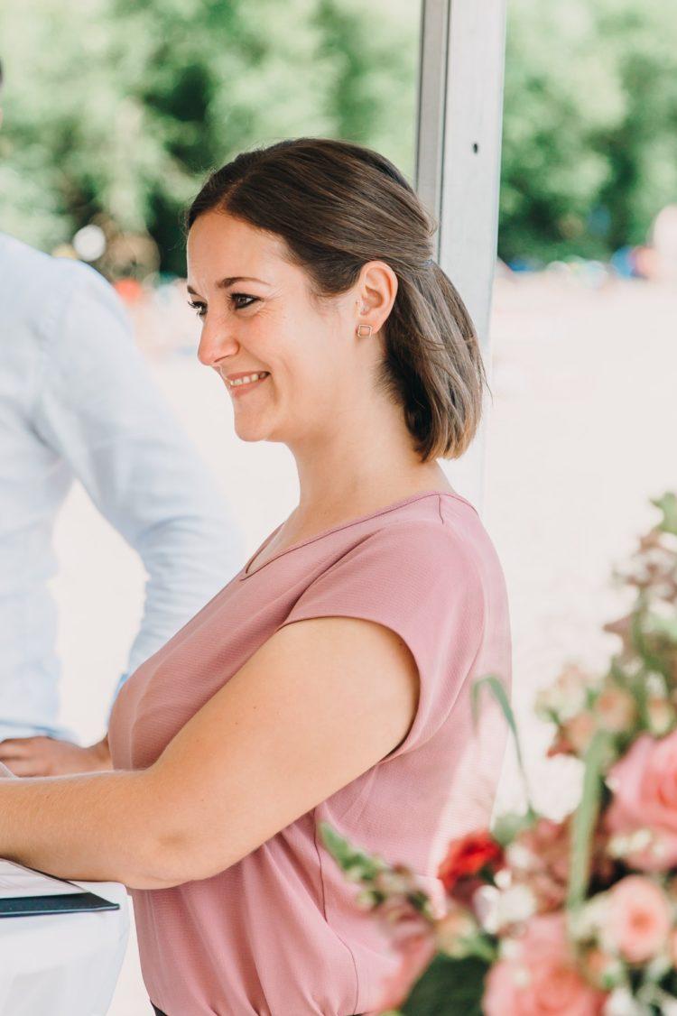 Kontakt zur Hochzeitsrednerin, Trauung am Elbstrand
